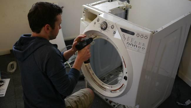 desktop 14211728931 Αυτός ο άντρας μετέτρεψε ένα παλιό πλυντήριο σε κάτι πανέμορφο.