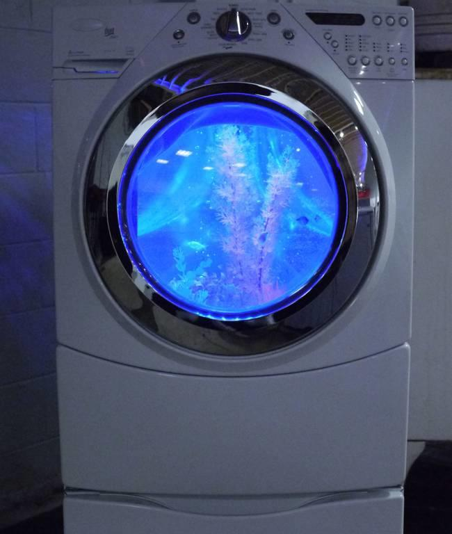 desktop 1421172912 Αυτός ο άντρας μετέτρεψε ένα παλιό πλυντήριο σε κάτι πανέμορφο.