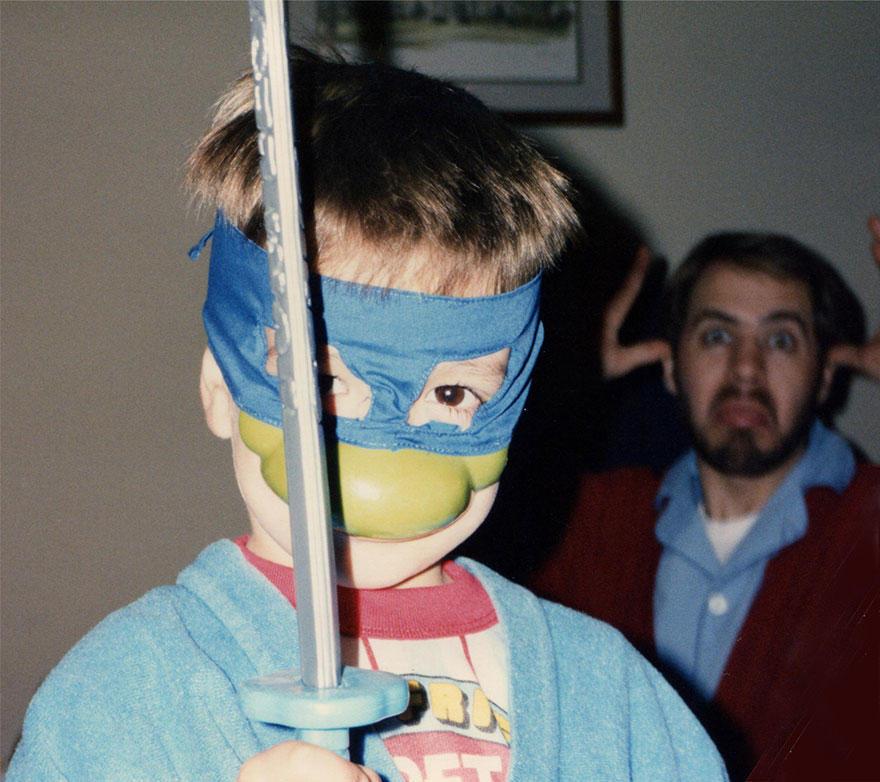 three-brothers-remake-childhood-photos-christmas-calendar-gift-11