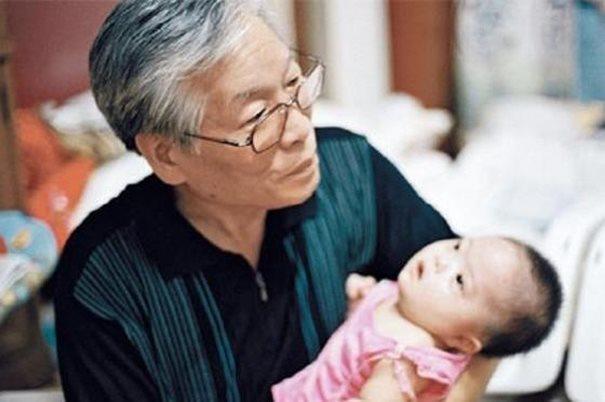 diaforetiko.gr : kouti mwra 3  Υπάρχει ένας άντρας στη Νότια Κορέα που φτιάχνοντας ένα κουτί έσωσε αμέτρητες ζωές παιδιών