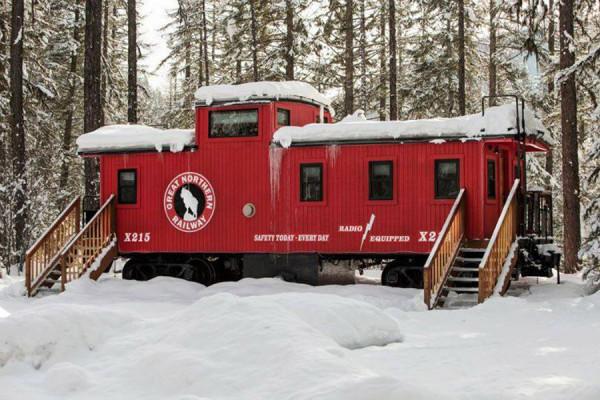diaforetiko.gr : The GN X215 Caboose 600x400 Μοιάζει με ένα εγκαταλειμμένο τρένο. Όταν όμως ανεβείτε τα σκαλιά; ΑΠΙΣΤΕΥΤΟ!