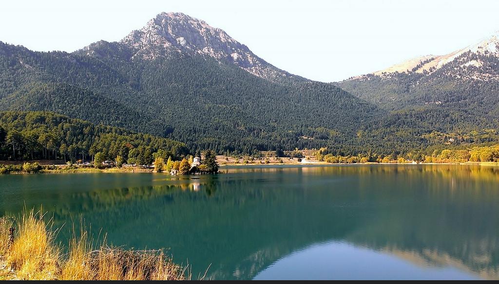 diaforetiko.gr : feneos1 Φενεός:Μια μικρή Ελβετία σε απόσταση αναπνοής από την Αθήνα!