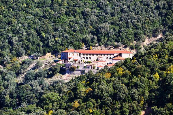 diaforetiko.gr : moni2 Μοναστήρια της Ελλάδας χάρμα οφθαλμών! Τοπία που εμπνέουν γαλήνη και ομορφιά…