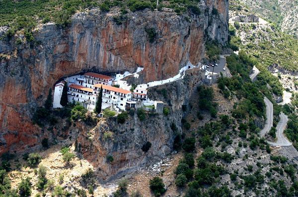 diaforetiko.gr : moni3 Μοναστήρια της Ελλάδας χάρμα οφθαλμών! Τοπία που εμπνέουν γαλήνη και ομορφιά…