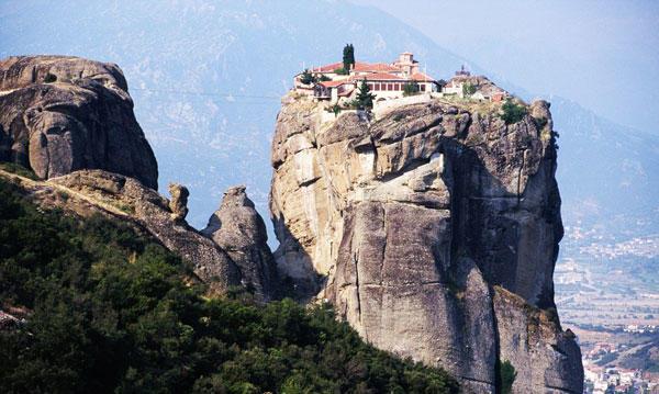 diaforetiko.gr : moni4 Μοναστήρια της Ελλάδας χάρμα οφθαλμών! Τοπία που εμπνέουν γαλήνη και ομορφιά…