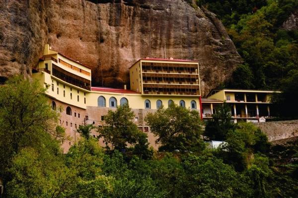 diaforetiko.gr : moni9 Μοναστήρια της Ελλάδας χάρμα οφθαλμών! Τοπία που εμπνέουν γαλήνη και ομορφιά…