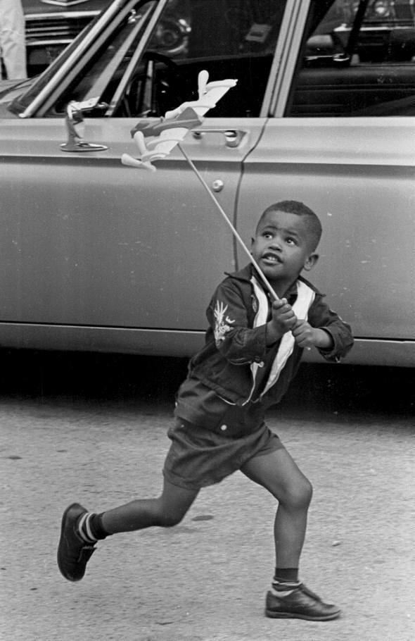 diaforetiko.gr : slide 406576 5083158 free1 Πώς έπαιζαν τα παιδιά πριν το Internet: Ένα νοσταλγικό φωτογραφικό αφιέρωμα!!!
