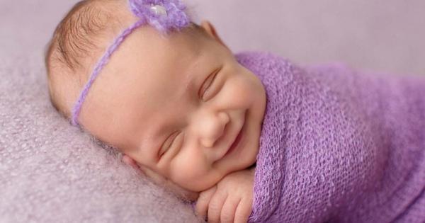 diaforetiko.gr : 1110 600x315 Πανέμορφες εικόνες με χαμογελαστά μωρά την ώρα που κοιμούνται!