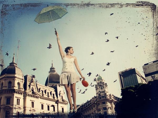 5028111019 53eedca414 b 600x450 Αν θέλετε η αγάπη σας να κρατήσει, πετάξτε μαζί μα ποτέ δεμένοι...