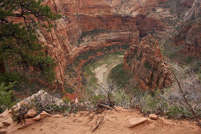 diaforetiko.gr : Zion National Park 15 Ο πιο επικίνδυνος δρόμος του πλανήτη, έχει την πιο εντυπωσιακή θέα