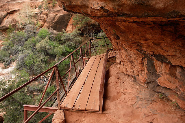 diaforetiko.gr : Zion National Park 16 Ο πιο επικίνδυνος δρόμος του πλανήτη, έχει την πιο εντυπωσιακή θέα