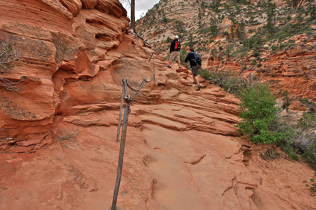 diaforetiko.gr : Zion National Park 5 Ο πιο επικίνδυνος δρόμος του πλανήτη, έχει την πιο εντυπωσιακή θέα
