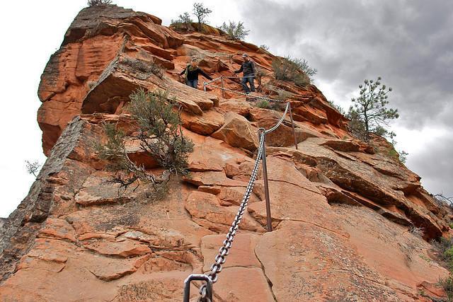 diaforetiko.gr : Zion National Park 7 Ο πιο επικίνδυνος δρόμος του πλανήτη, έχει την πιο εντυπωσιακή θέα