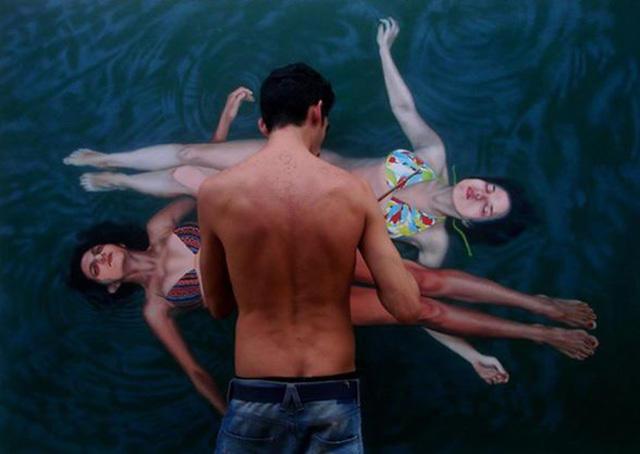 54806f08 1dbf 4cde 8b69 4eacc8792009 medium Αν νομίζετε πως αυτή η γυναίκα απολαμβάνει μια βουτιά στην πισίνα της, κάνετε μεγάλο λάθος.
