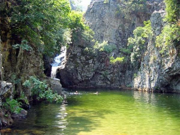 612 600x450 Κολυμπάμε στις 7 πιο εντυπωσιακές «φυσικές πισίνες» της Ελλάδας!