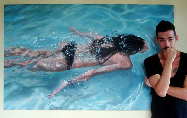 a182749f 89f1 436d 8fda 825d93967f87 medium Αν νομίζετε πως αυτή η γυναίκα απολαμβάνει μια βουτιά στην πισίνα της, κάνετε μεγάλο λάθος.