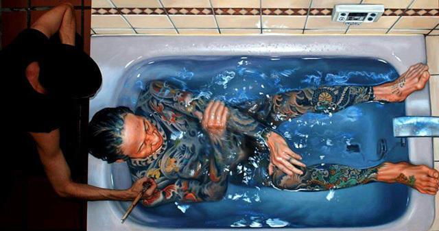 cccc9670 7263 4fd5 8dee 02a150c9a260 medium Αν νομίζετε πως αυτή η γυναίκα απολαμβάνει μια βουτιά στην πισίνα της, κάνετε μεγάλο λάθος.