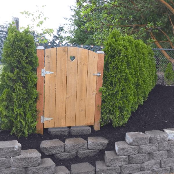 diaforetiko.gr : 43 600x599 Μεταμόρφωσε την βαρετή αυλή της σε ένα μυστικό κήπο που μοιάζει να ξεπήδησε από σελίδες παραμυθιών! ΕΚΠΛΗΚΤΙΚΗ ΙΔΕΑ !!!