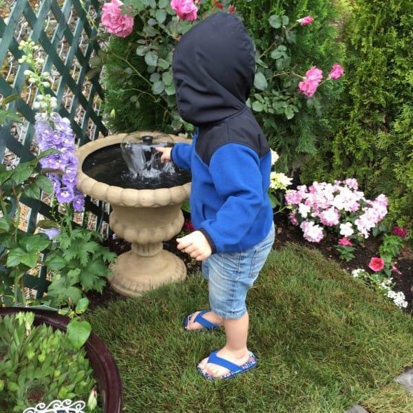 diaforetiko.gr : 814 600x600 Μεταμόρφωσε την βαρετή αυλή της σε ένα μυστικό κήπο που μοιάζει να ξεπήδησε από σελίδες παραμυθιών! ΕΚΠΛΗΚΤΙΚΗ ΙΔΕΑ !!!