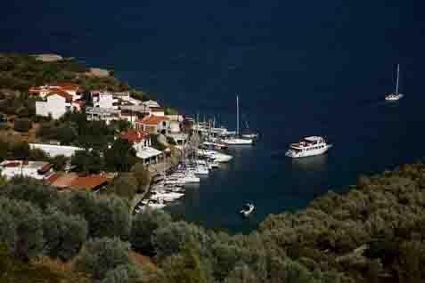 diaforetiko.gr : 98444 220350 8 «άγνωστα» αλλά μαγευτικά ελληνικά νησιά
