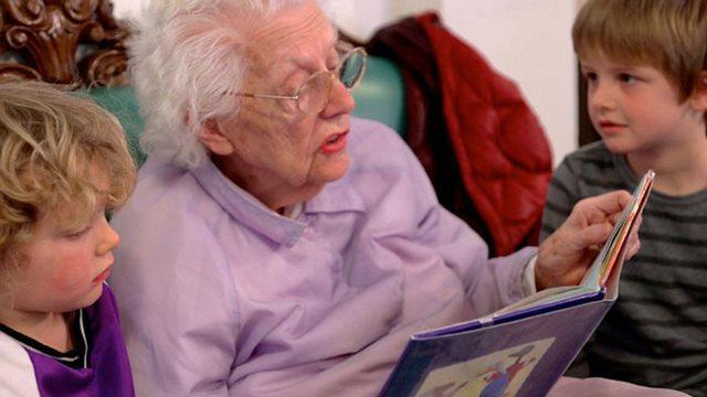 diaforetiko.gr : girokomeio 4 Έβαλαν παιδιά προσχολικής ηλικίας μέσα σε ένα γηροκομείο και άλλαξαν για πάντα τις ζωές των ηλικιωμένων.
