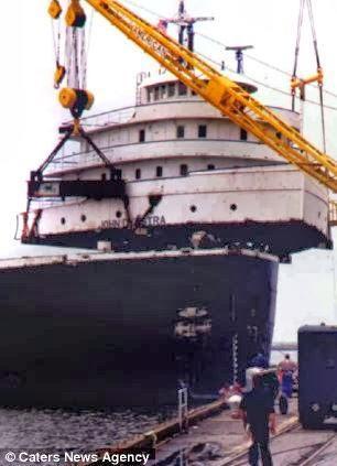 diaforetiko.gr : pistepseto.eu 2 Το πλοίο που έριξε άγκυρα πάνω σε λόφο και μετατράπηκε σε πολυτελές σπίτι