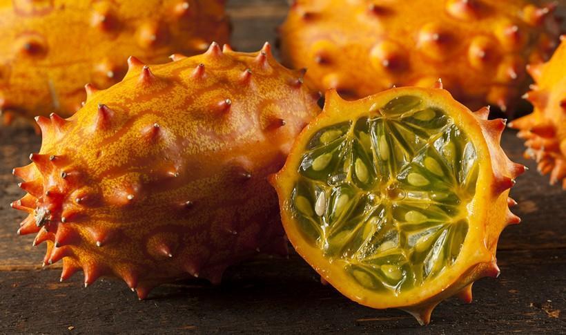 diaforetiko.gr : shutterstock 1425985571 10 περίεργα εξωτικά φρούτα που δεν είχατε ξανακούσει ποτέ.
