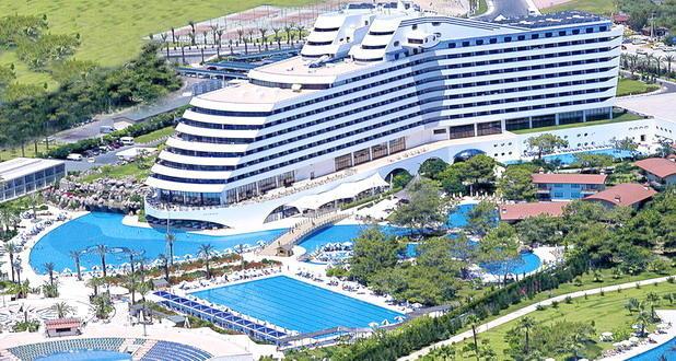 diaforetiko.gr : 048 To πολυτελές ξενοδοχείο στην Τουρκία που έχει την μορφή του… Τιτανικού!