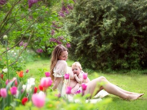 diaforetiko.gr : In honor of the World Breastfeeding Week 2015 by Tammy Nicole Photography 2  880 480x360 Παγκόσμια εβδομάδα θηλασμού: 15 υπέροχες φωτογραφίες για τη μοναδική σχέση μητέρας και παιδιού