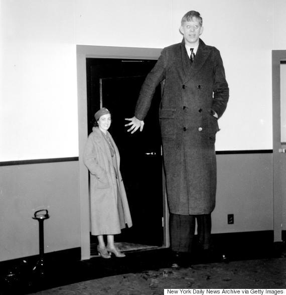 diaforetiko.gr : o ROBERT WADLOW 570 H συγκλονιστική ζωή του πιο ψηλού άντρα που έζησε ποτέ! Ως νήπιο είχε 1,5 μέτρο ύψος και τελικά άγγιξε τα 2,72 μέτρα !!!
