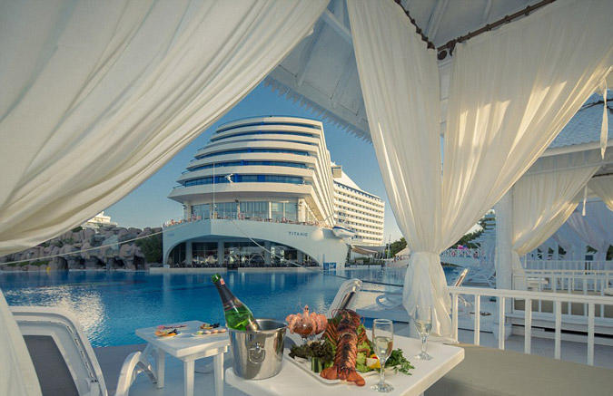 diaforetiko.gr : titanichotel2 To πολυτελές ξενοδοχείο στην Τουρκία που έχει την μορφή του… Τιτανικού!