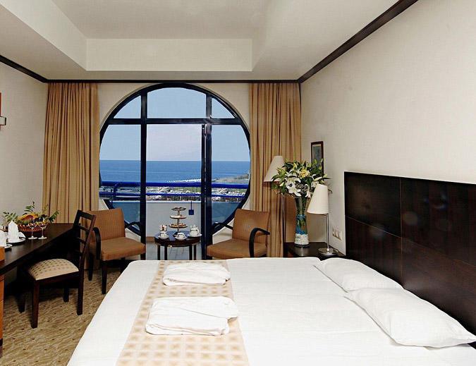 diaforetiko.gr : titanichotel3 To πολυτελές ξενοδοχείο στην Τουρκία που έχει την μορφή του… Τιτανικού!