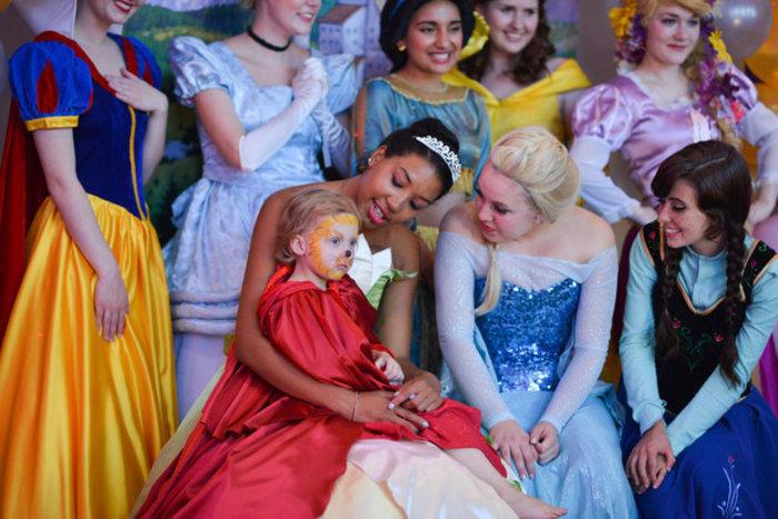 diaforetiko.gr : upl55c358b4edd49 Το πάρτι αυτής της μικρής «πριγκίπισσας» που έχει 4 μήνες ζωής θα σας συγκινήσει