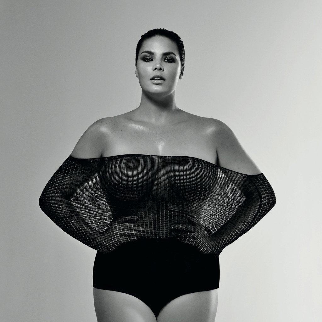 diaforetiko.gr : Candice Huffine Straight Size Fashion Campaign Το μοντέλο που διχάζει το διαδίκτυο. Τι λες χοντρούλα ή κουκλάρα;