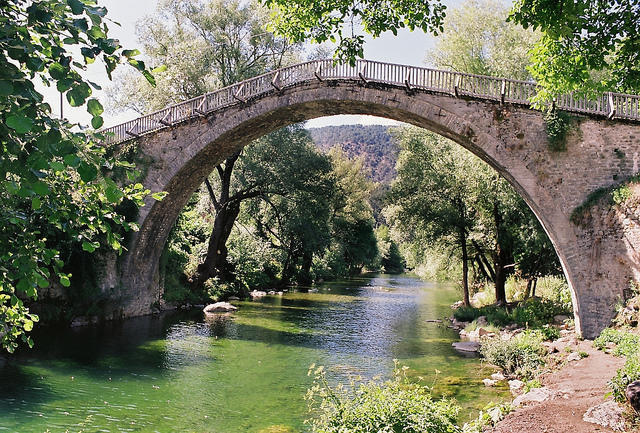The stone bridge of Vovousa