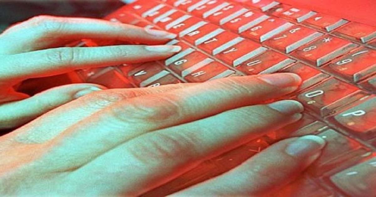 Έβαζε αγγελίες στο Ίντερνετ για να βρει βιαστές για την … 6χρονη κόρη της!