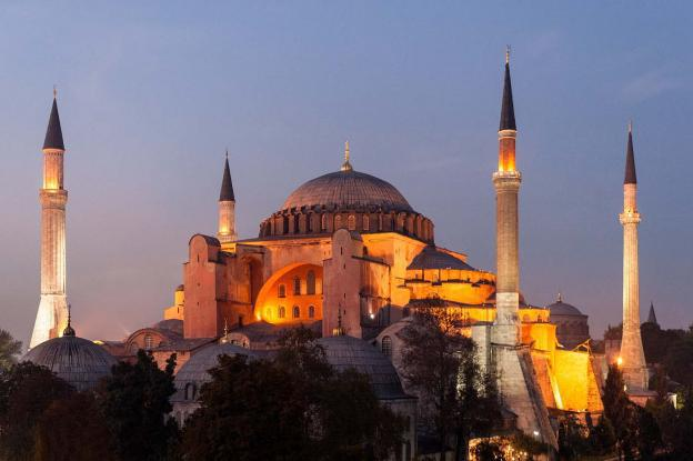 http://www.topontiki.gr/sites/default/files/styles/article_main/public/article/2016-06/hagia-sophia_0.jpg?itok=ckqH-I_t