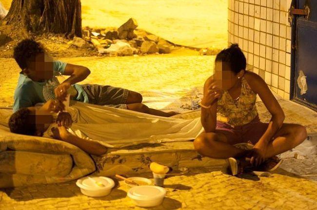 Κοντά στο φαντασμαγορικό Ολυμπιακό χωριό του Ρίο 9χρονα κορίτσια πωλούν το σώμα τους για 1,62 ευρώ