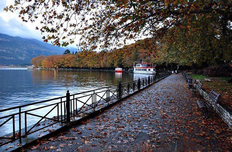 Ιωάννινα: Μια ονειρική λιμνούπολη με ομιχλώδη ομορφιά