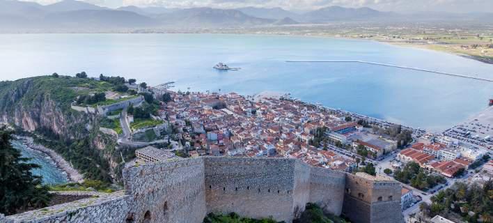 Το Ναύπλιο είναι η πιο γοητευτική πόλη ολόκληρης της Πελοποννήσου. Κι αυτό το βίντεο, το αποδεικνύει…