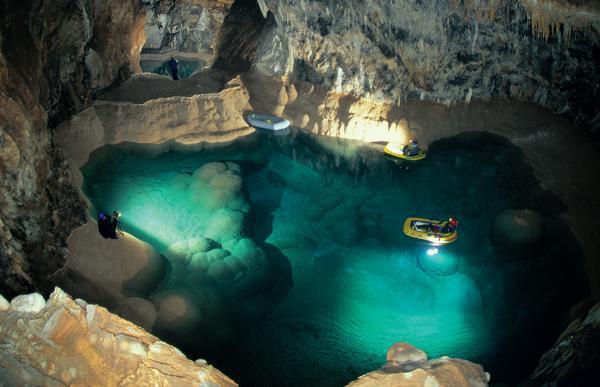 Σπήλαιο των Λιμνών – Ο μυστικός παράδεισος της Αχαΐας με την ανυπέρβλητη ομορφιά