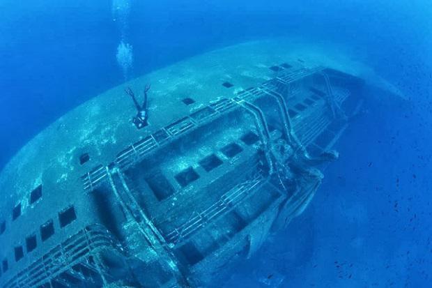 Το ναυάγιο και οι 81 νεκροί του «Εξπρές Σάμινα» στα ανοικτά της Πάρου. Η θυσία του 19χρονου φαντάρου που πνίγηκε για να σώσει τους ναυαγούς