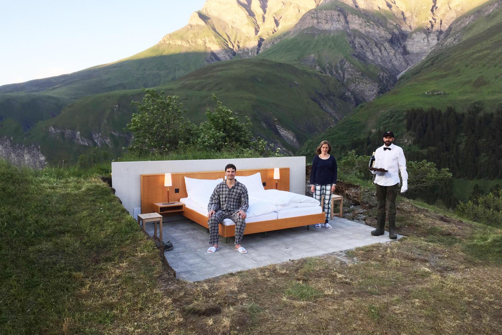 Ένα Σουηδικό ξενοδοχείο στις Ελβετικές Άλπεις χωρίς τοίχους και στέγη!
