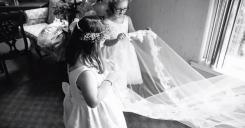 Όταν εμφανίστηκαν ΑΥΤΑ τα Παιδιά στο γάμο, ΚΑΝΕΙΣ δεν τα αναγνώρισε. Μόνο η νύφη ήξερε ΠΟΣΟ ξεχωριστά ήταν…