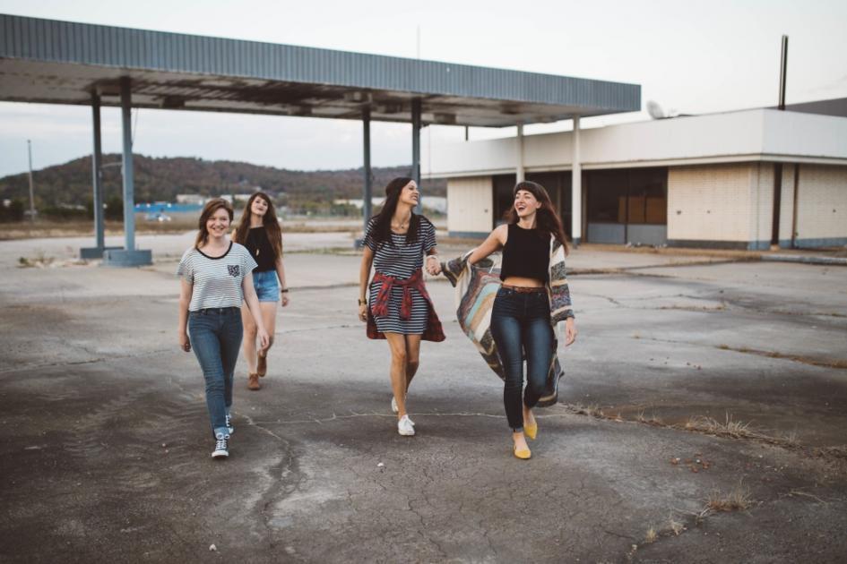 Αποτέλεσμα εικόνας για 7 τύποι φίλων που αξίζει να περνάς χρόνο μαζί τους