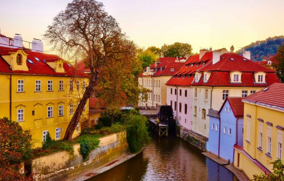 Οι 10 φθηνότερες πόλεις της Ευρώπης είναι πανέμορφες το φθινόπωρο