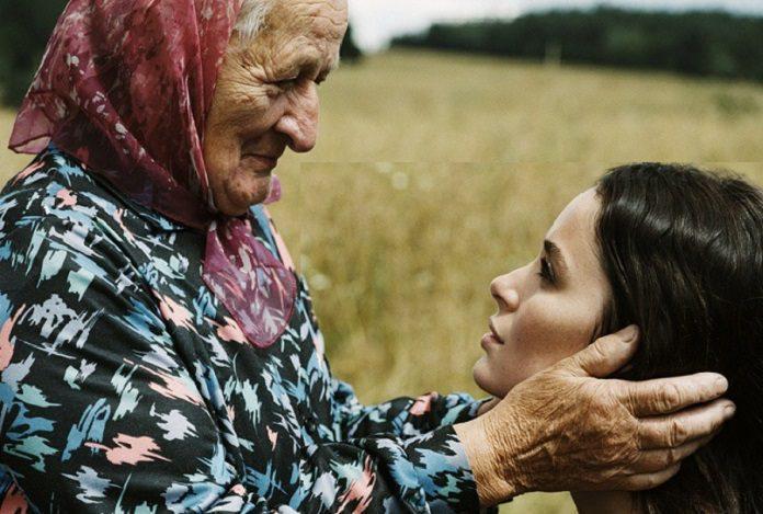 Γονείς στο γηροκομείο – «Θα έρχεσαι να με βλέπεις;»