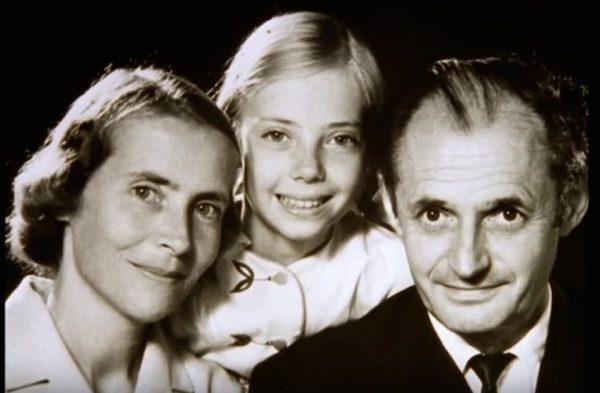 Η νεαρή Koepcke με τους γονείς της