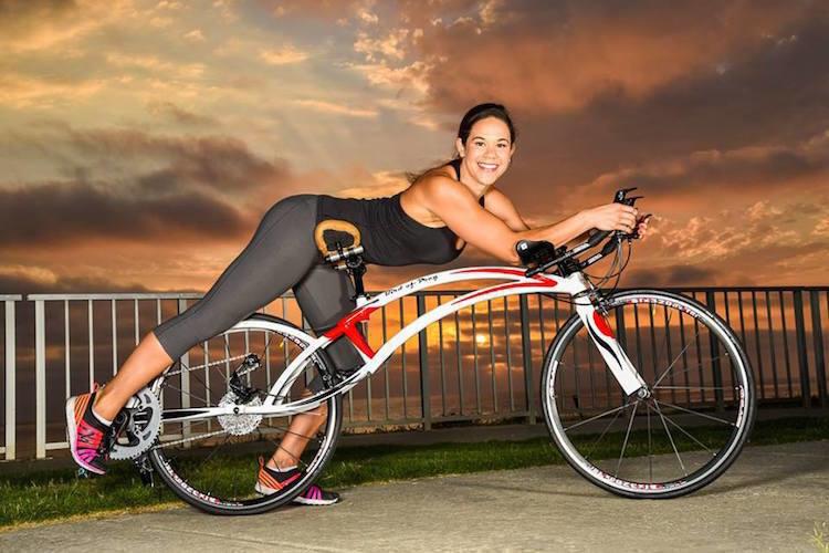 Έφτιαξαν νέο φουτουριστικό ποδήλατο που το οδηγείς ξαπλωμένος και αισθάνεσαι ότι πετάς