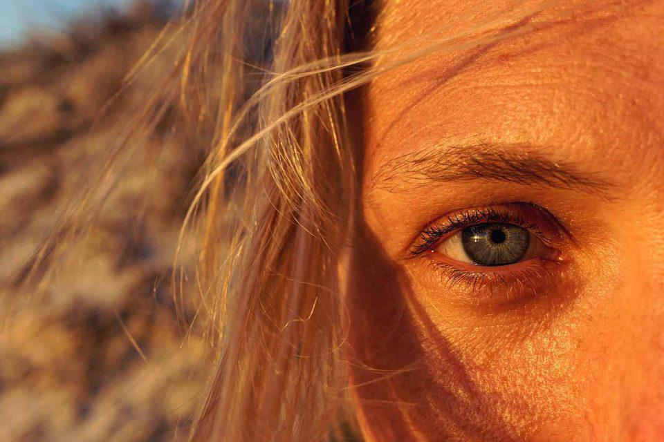 Μάρω Βαμβουνάκη: Οι μοναχικοί άνθρωποι έχουν βλέμμα βαθύ.